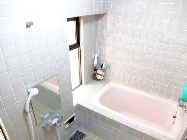 お風呂・浴室の種類と設備の選び方