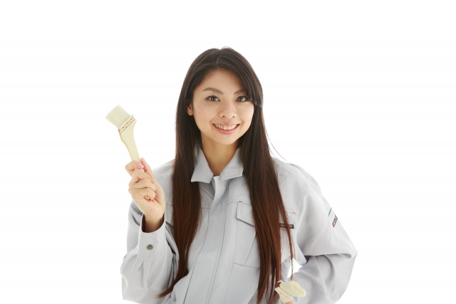 外壁塗装の業者を選ぶ際の4つのポイント